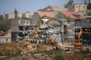 Israeli-demolishing homes in Ramalla July-2015